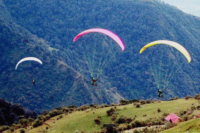 Paragliding | Dharamshala | Above 14000 ft | Forktail Villa
